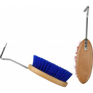 Nylon Dandy brush + hoof pick